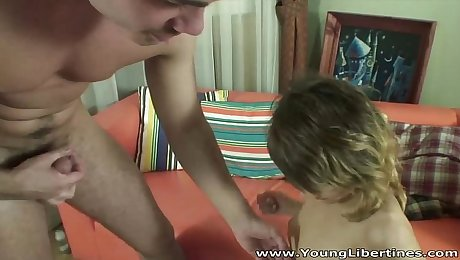 Young Libertines - Raw anal drilling Anna May